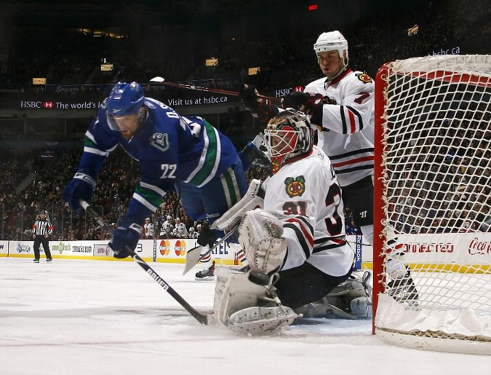 Antti Niemi was spectacular on Sunday night, stopping all 30 shots he faced in the Hawks 1-0 win.