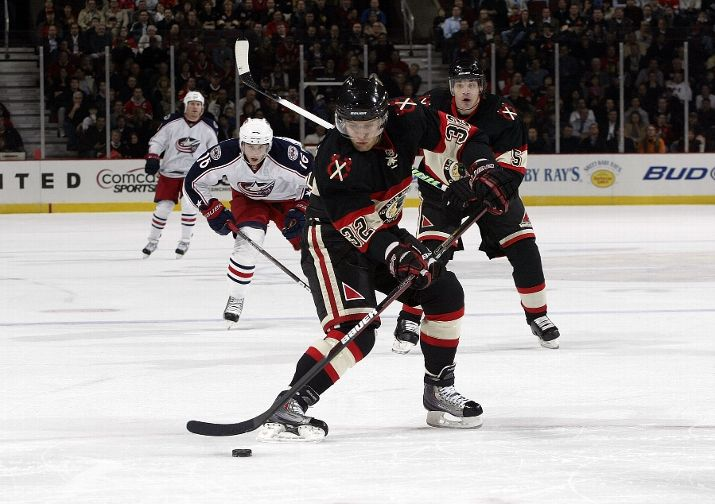 The first of Kris Versteeg's two toe-drags on his gorgeous short handed goal Tuesday.