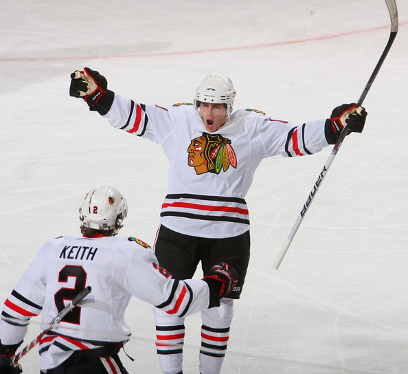 Patrick Kane started the Chicago scoring.