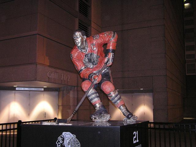 Mikita statue
